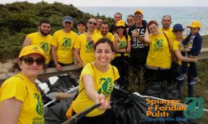 """Si è svolta domenica 29 maggio 2016 a Campomarino di Maruggio (Ta) l'iniziativa nazionale di volontariato ambientale """"Spiagge e Fondali Puliti"""" a cura della Legambiente di Maruggio"""